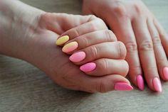 Paznokcie na lato, czyli pomysły na wakacyjny manicure | Inspiracje modowe :: blog modowy - modoweinspiracje.pl Fun Nails, Nice Nails, Manicure, Nail Designs, Polish, Nail Bar, Nails, Vitreous Enamel, Nail Desings