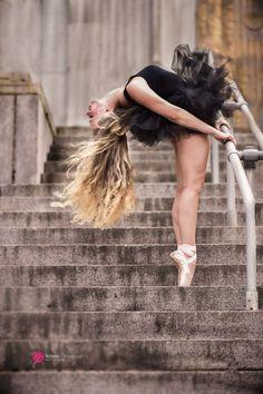 Street Dancing Photography Ballerinas Ideas - Dance World 2020 Street Dance Photography, Dancer Photography, Beauty Photography, Ballet Pictures, Dance Pictures, Tumblr Ballet, Ballet Wallpaper, Street Ballet, Ballerina Project