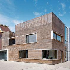V23K18, Nieuw Leyden – private house