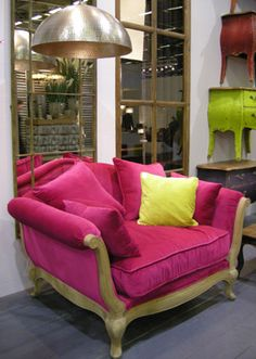 this is a fuschia VELOUR, i repeat, VELOUR chair of majesticness.  you don't know this but I love velour so much. i love touching it. rubbing my hands all over it like a pure bred crack head.  i would feel so magical sitting in this chair. this chair wants me. it wants me bad.