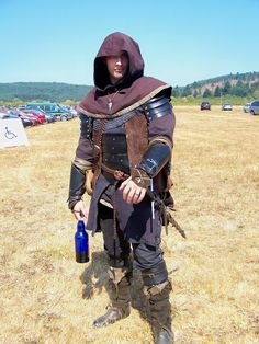 Assasin Unmasked by erziban.deviantart.com on @deviantART Renaissance Fair Costume, Medieval Costume, Medieval Armor, Medieval Fantasy, Armor Clothing, Medieval Clothing, Historical Clothing, Character Costumes, Character Outfits