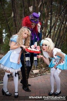 Photo-shoot I did : Alice and wonderland :)
