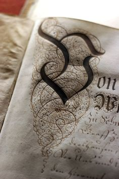 invest in Calligraphy, an endless letter to your lover or a friend ( twitter e- y- h -o -)