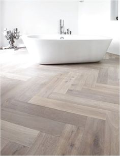 Flooring Parquet Interieur 48 New Ideas Wood Floor Bathroom, Bathroom Flooring, Kitchen Flooring, Tile Floor, Master Bathroom, Family Bathroom, Floor Mirror, Kitchen Tiles, Direct Wood Flooring