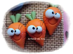 Carrots topper by Artelie de Ana Paula Cute Polymer Clay, Cute Clay, Polymer Clay Miniatures, Fimo Clay, Polymer Clay Projects, Polymer Clay Creations, Clay Beads, Clay Magnets, Clay Food