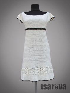 Día blanco o vestido de crochet de algodón orgánico cóctel. La esencia de todos los días y en todas partes de desgaste. ¿Qué tal un crochet tomar en él? Elegante moderno, sin embargo tiene un borde frío a él. La simplicidad del vestido está bien calculada, de hecho. Como se ha observado por la señorita, es siempre un reto para crear un simple buscando vestido con impecable ajuste. Cuello amplio, mangas del casquillo, silueta de vestido ligero. Simplemente lavar a mano y plana y seca el…