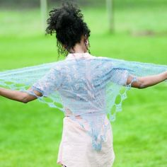 The 7 Best Airy Knitted Shawls for Summer Summer Knitting, Knit Picks, Knitted Shawls, Knitwear, Knitting Patterns, Fancy, Summer Weddings, Silk, Concerts
