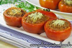 Estes Tomates Recheados com Carne são deliciosos, requintados, tentadores e muito fáceis de fazer. Bora fazer para o #almoço!  #Receita aqui: http://www.gulosoesaudavel.com.br/2013/04/24/tomates-recheados-com-carne/