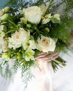 Fern and rose bridal bouquet Rose Bridal Bouquet, Cascade Bouquet, Diy Wedding Bouquet, Diy Bouquet, Peonies Bouquet, Diy Wedding Flowers, Diy Flowers, Floral Garland, Flower Garlands
