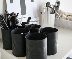 diy rentree pot a crayon Black And White Office, Black White, Charcoal Black, Pot A Crayon, Do It Yourself Inspiration, Recycle Cans, Diy Recycle, Diy Casa, Creation Deco