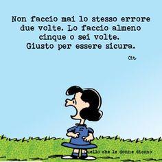Risultati immagini per lucy van pelt Snoopy Charlie, Snoopy And Woodstock, Peanuts Snoopy, Charlie Brown, Italian Humor, Italian Quotes, Lucy Van Pelt, Memories Quotes, Good Jokes