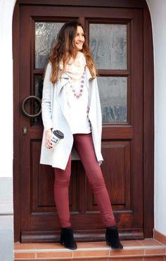 Outfit der Woche! Hose: s.Oliver – bestickte Tunika: Comma – Strickmantel mit Wasserfallkragen: Street One – Loop mit Fransen: Comma #fashion #ootw