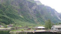 Fotografía: Amparo Vinuesa- Fiordo Sogne Bergen, Oslo, Tour, Cabin, Mountains, House Styles, Nature, Travel, Scandinavian