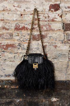 9645d1a55dd3 Michael Kors Collection Pre-Fall 2019 Collection - Vogue Сумки На Ремне,  Коко Шанель
