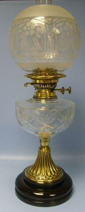 VICTORIAN CUT GLASS, VERITAS AND BRASS OIL LAMP WITH ETCHED GLOBE SHADE