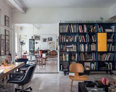 A decoração dramática do apartamento da artista plástica argentina - Casa
