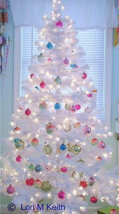 Decorating ideas for a christmas tree  This is SO pretty! Description from pinterest.com. I searched for this on bing.com/images