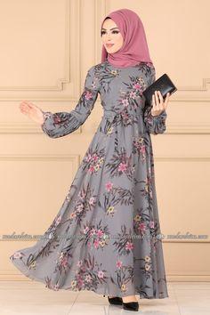 Long Frocks For Girls, Stylish Dresses For Girls, Muslim Women Fashion, Islamic Fashion, Long Dress Design, Mode Abaya, Pakistani Dresses Casual, Abaya Designs, Fashion Dresses