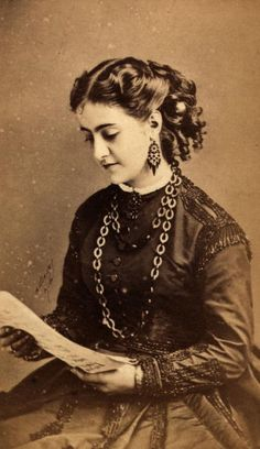 1865: Anglo-Italian soprano Adelina Patti (1843 - 1919), one of the first opera singers to be recorded
