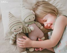 Crochet your little one the cutest baby-doll ever, so she can feel the warmness of her mom's heart every day!