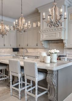 Gorgeous gray kitchen.