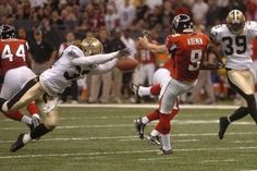 Steve Gleason's famous blocked punt against the Falcons @ Superdome opening after Katrina