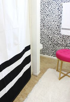 Black and White Bathroom Makeover that is FABULOUS!! This is by far one of my favorite bathroom makeovers! Click for details