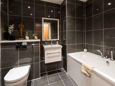 Bathroom at Eighteen Murrayfield Road, Edinburgh, Scotland