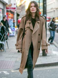 Leila Yavari // effortless hair, trench coat & jeans #style #fashion #streetstyle