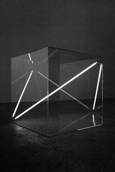 Boundless I, 1975 - Acrylic glass cube, 68 x 68 x 68 cm - Dualtone argon lighttube by Christian Herdeg