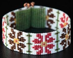 This Native American Style Amarylis Christmas Bead Loom Cuff Bracelet was inspired by the beautiful Native American patterns I see around me here in Bead Loom Bracelets, Beaded Bracelet Patterns, Bead Loom Patterns, Beading Patterns, Beaded Jewelry, Tribal Patterns, Native American Patterns, Native American Fashion, Tear