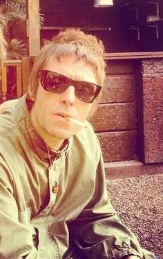 Liam Gallagher Liam Gallagher 2017, Noel Gallagher, Liam Gallagher Sunglasses, Great Bands, Cool Bands, Oasis Music, Underground Film, Liam And Noel, Mod Hair