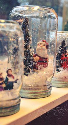 no water snow globes via can find Snow globes and more on our website.no water snow globes via Snow Globe Crafts, Diy Snow Globe, Christmas Snow Globes, Christmas Crafts, Christmas Mood, Christmas Ideas, Pot Mason Diy, Mason Jar Crafts, Bottle Crafts