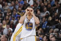 Stephen Curry notched a double-double of his own with 26 points and 12 assists against the Raptors on March Golden State Basketball, Mba Basketball, Kent Bazemore, Wardell Stephen Curry, Stephen Curry Pictures, Splash Brothers, San Jose Sharks, San Francisco Giants, Golden State Warriors
