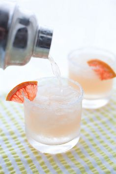 Paloma cocktail: grapefruit, lime + tequila