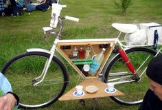 Hook me up with this: a #picnic set #bicycle accessory.