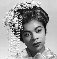 Martina Arroyo (born February is an American operatic soprano who had a major international opera career during the through the She was just honored by the Kennedy Center. Divas, Black History Facts, African Diaspora, My Black Is Beautiful, African American History, Women In History, Vintage Beauty, Vintage Black, Opera Singers