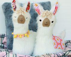 Image of NEW! LuLu Llama Pillow PDF Sewing Pattern