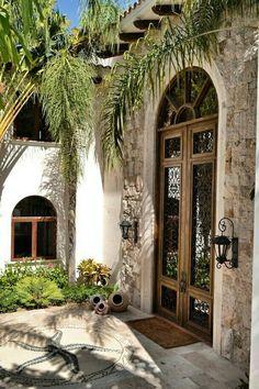 Spanish house, hacienda homes, hacienda style, balcony ideas, spanish colon Mediterranean Style Homes, Spanish Style Homes, Spanish House, Mediterranean Architecture, Spanish Colonial, Design Balcon, Mexico House, Hacienda Style, Hacienda Homes