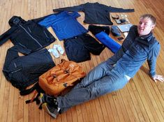 Meet the Guy Who Owns Only 15 Things (Not Counting Undies or Socks) | Ecouterre
