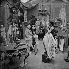 Atelier d'artiste sous le Second Empire (1852-1870). Détail d'une vue stéréoscopique.