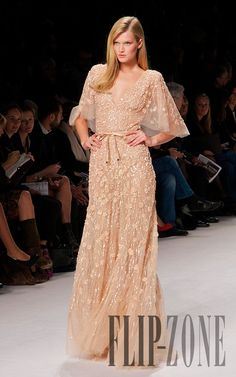 Elie Saab Fabulous Dresses, Beautiful Gowns, Pretty Dresses, Beautiful Outfits, Ellie Saab, Couture Fashion, Runway Fashion, Dream Dress, Frocks