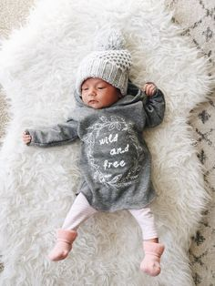 Signs of Pregnancy Expecting A Baby? When you initially find out you are pregnant, it can be quite daunting for a first time mom. Erwarten Baby, Baby Kind, Baby Girl Fashion, Kids Fashion, Fashion Clothes, Cute Kids, Cute Babies, Expecting Baby, Everything Baby