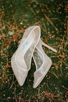 Cozy rustic chic summer wedding in the forest by Geneoh Photography - . Cozy rustic chic summer wedding in the woods by Geneoh Photography – Shoes – Cozy # Jimmy Choo, Traditional Gowns, Wedding Boots, Lace Wedding Shoes, Lace Bride, Bridal Cape, Wedding Dress Trends, Bride Shoes, Bridal Fashion Week