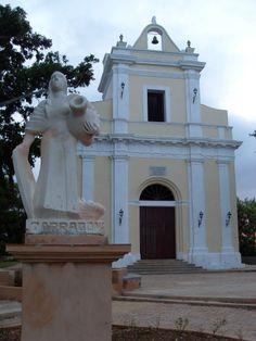La Ermita de #Monserrate en #Matanzas comenzó a construirse el 8 de septiembre de 1871 y es una pequeña iglesia con un diseño basado en el monasterio de #Cataluña.