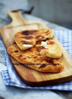 一道著名的烤面包---印度烤馕_『君之』的手工烘焙坊_君之_新浪博客,君之,         印度烤馕是一款很有名的面包,尤其适合当做主食来食用。而且这是一款相对来说比较省时间的面包,虽然它也要经过揉面...