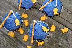 Cupcakes Take The Cake: Deconstructed: Fishing Cupcakes  http://cupcakestakethecake.blogspot.com/2012/07/deconstructed-fishing-cupcakes.html#