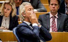 """""""VOORKOM AFRIKAANSE INVASIE DOOR NU GRENZEN TE SLUITEN"""" kapitaalde het persbericht van de PVV de ontvanger maandagochtend tegemoet. Dit weekeinde waarschuw"""