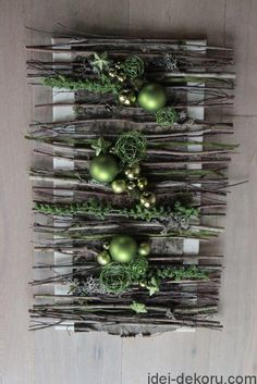 An interesting idea for Christmas wall decoration ~ Christmas Flowers, Noel Christmas, Rustic Christmas, Winter Christmas, All Things Christmas, Christmas Wreaths, Christmas Ornaments, Christmas Projects, Christmas Crafts