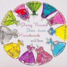 Disney Princess Dress charm Handmad by eri23mm プリンセスドレスシリーズ 沢山つくったよ♪ 一個一個手描きで描いてます♡ お譲り先も決まってるから 気にってもらえるといいな。 こーやって沢山並べると かわいいね♡ #disneyprincess #princess#dress #handmade ...